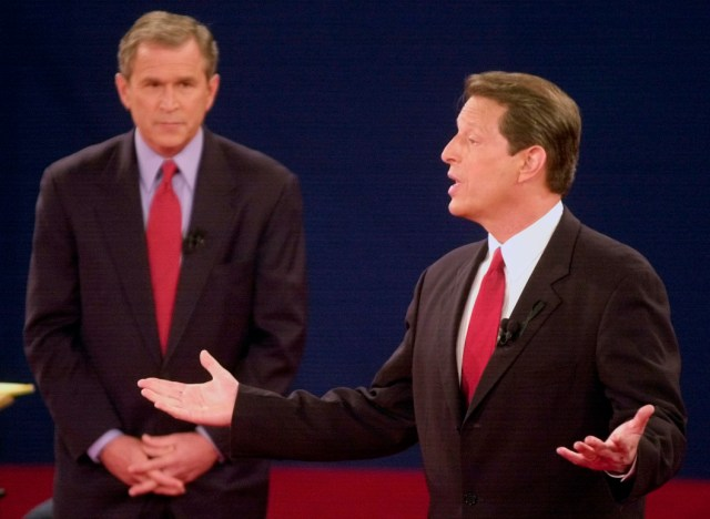Al Gore debates George W. Bush in 2000