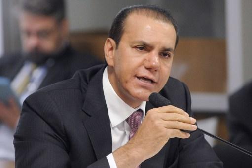 Resultado de imagem para senador Ataídes Oliveira