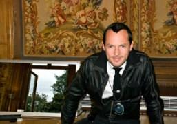 Alexandre de Betak backstage after the John Galliano Mens S/S 2012 show…