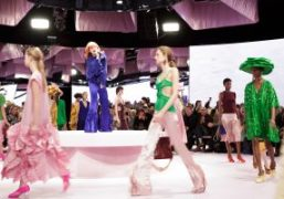 Mulberry S/S 2018 show featuring a performance by Alison Goldfrapp at Spencer...