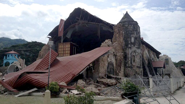 SEVERE DAMAGE. The centuries-old Loboc Church in Loboc, Bohol shows its collapsed roof after a magnitude 7.2 quake in the region, 15 October 2013. Photo courtesy of Robert Michael Poole (@tokyodrastic)
