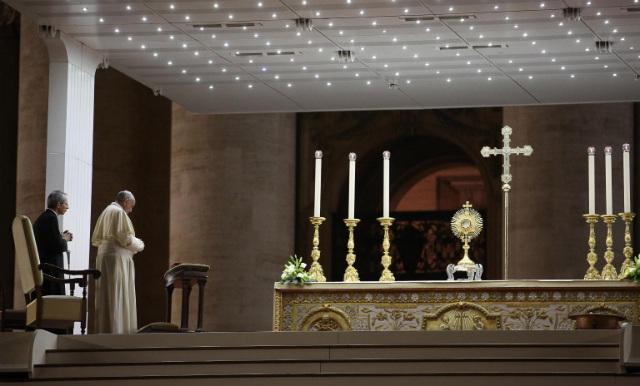 Buscar al Señor.  Papa Francisco lidera el día mundial de oración y ayuno para Siria en septiembre.  Archivo de fotos de Alessandro di Meo / EPA