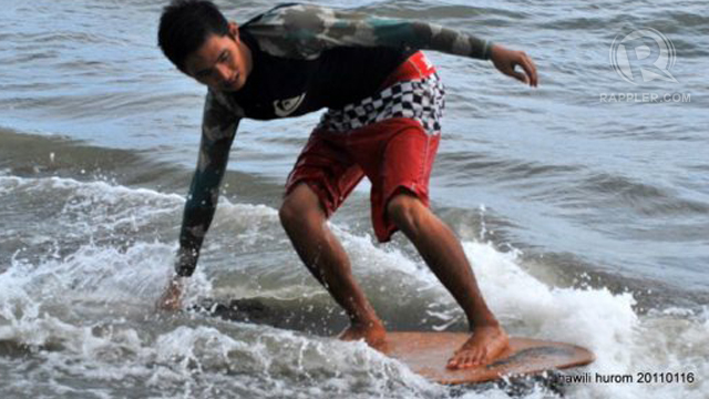 SKIMBOARDING FUN. Now there's one more thing to do in the beaches of Iloilo.