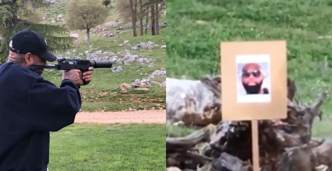 Quand Booba tire avec une arme sur un portrait de Kaaris (vidéo)