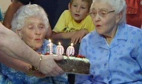 Pasangan kembar tertua di Australia