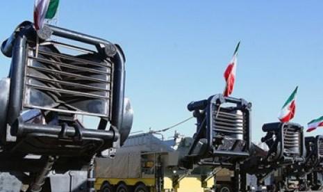 Peluncur rudal jarak jauh Iran