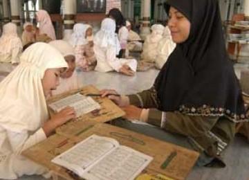 Alhamdulillah, Rp 1,35 Miliar untuk Guru Mengaji