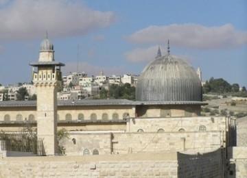 Membebaskan Palestina Melalui