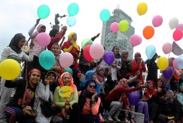 Hijabers Indonesia dipandang menarik di mata fotografer asal AS.