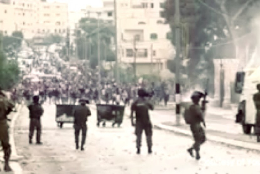 Bentrok tentara Israel dengan warga Palestina