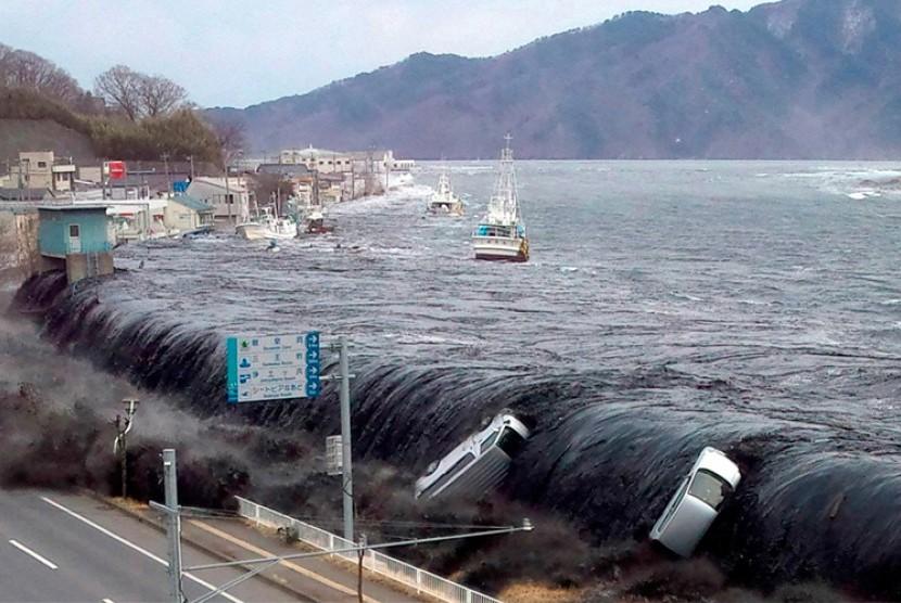 Gempa di Jepang yang mengakibatkan gelombang tsunami