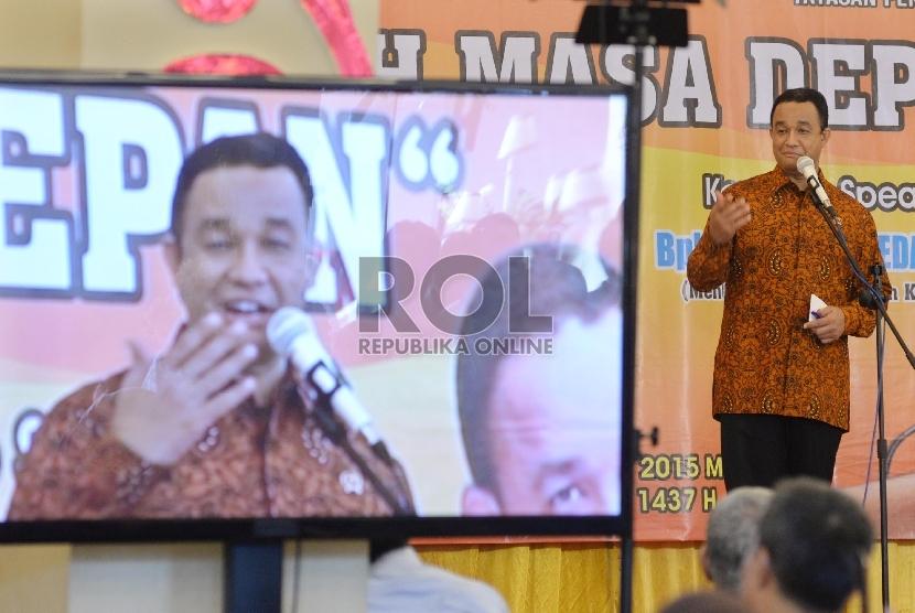Mendikbud Anies Baswedan saat peresmian gedung baru SMPIT-SMAIT Insan Mandiri Cibubur, Bekasi, Jab (Republika/Yasin Habibi)ar (21/12).
