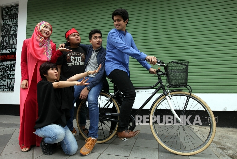 Para pemeran film 'Ketika Mas Gagah Pergi' saat berkunjung ke Kantor Harian Republika