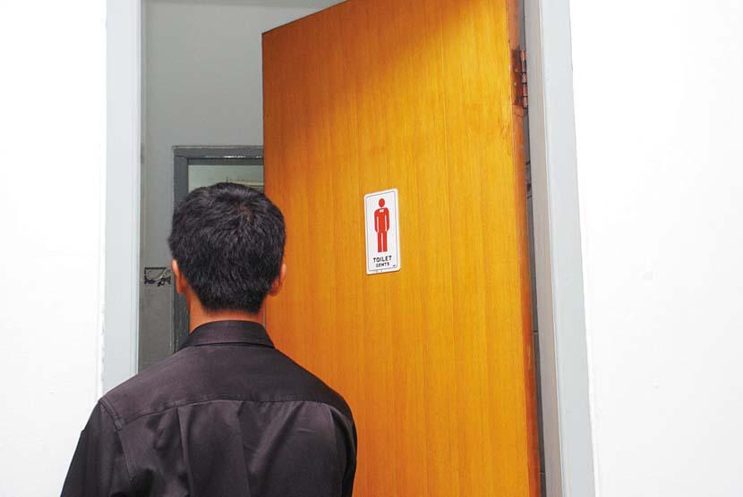 Toilet Pria (ilustrasi).