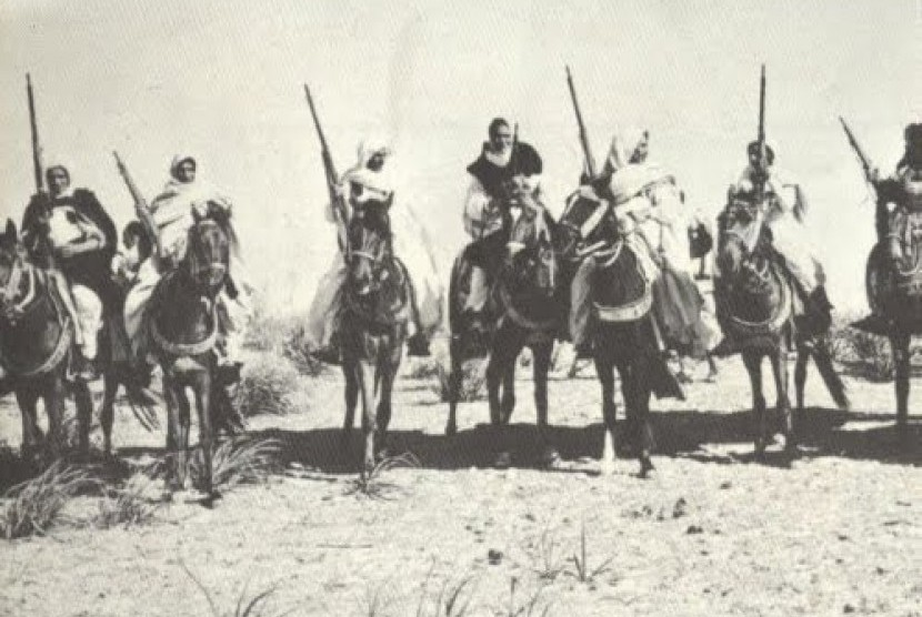 Umar Mukhtar bersama pejuang Libya