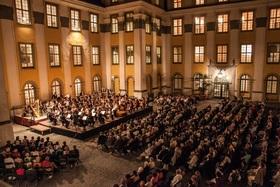 Bild: Traditionelle Schlosshofserenade - Romantische Opern-Nacht