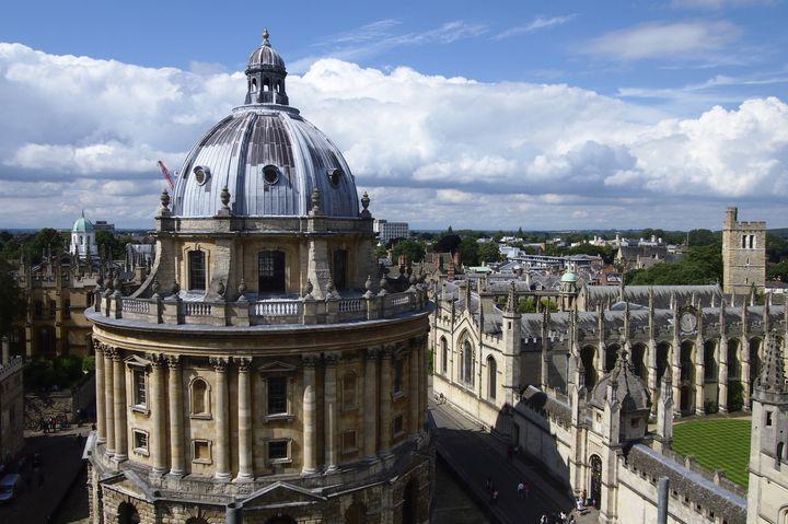 """夢のようなキャンパスライフ!美しすぎる世界各国の""""大学""""10選"""