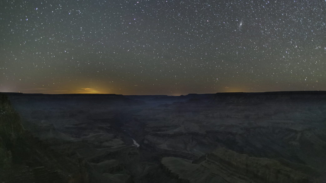 Most of the crowds at the Grand Canyon don't stick around after sunset.