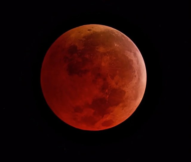 Lunar De Light How To View 2019s Sole Total Eclipse Of The Moon