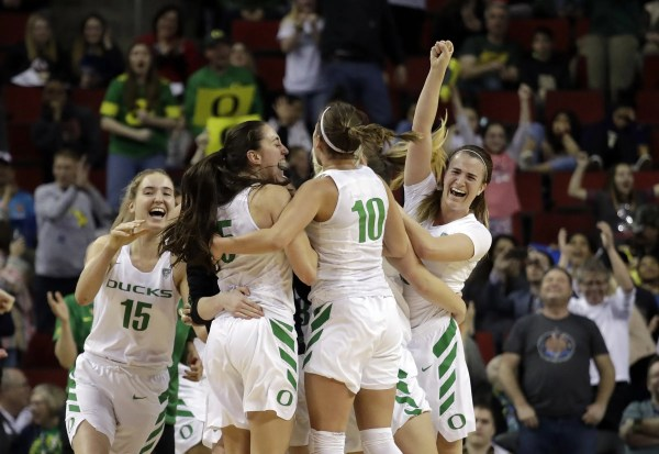 Top-seeded Oregon outlasts UCLA to advance to first Pac-12 ...