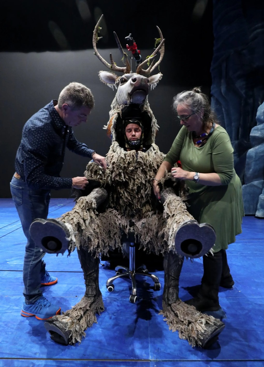 Go Backstage At Frozen At Seattle S Paramount Theatre And See How An Actor Becomes Sven The Reindeer The Seattle Times