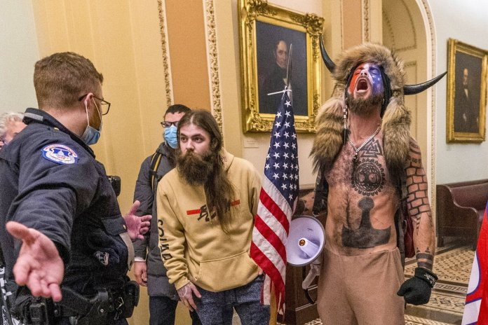 Huge hack reveals embarrassing details of who's behind Proud Boys and other  far-right websites | The Seattle Times