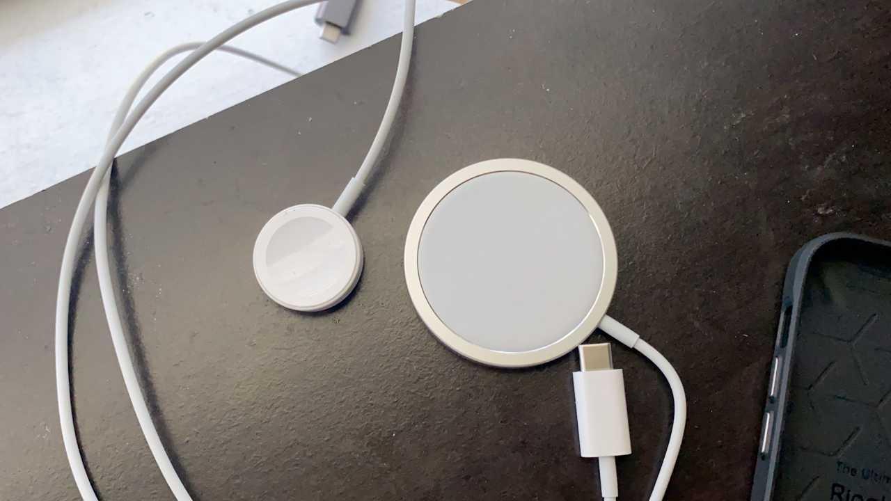 Yeni iPhone MagSafe aksesuar teslimatları başladı 2