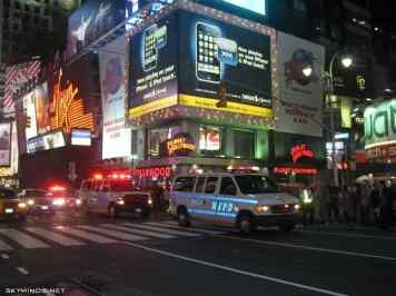 New York City : 5th Avenue, Rockefeller Center, St Patrick's Cathedral, Flatiron Building, Madison Square Park, Shake Shack's, Little Italy, Soho, Greenwich Village, Time Square photo 2