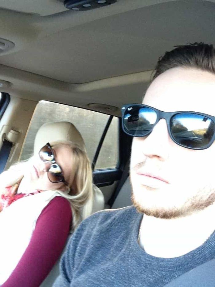 road-trip-sleeping-wife-pictures-husband-mrmagoo21-14-5a434c98c1d76-jpeg__700