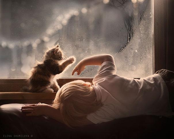 crianças-com-gatos-11