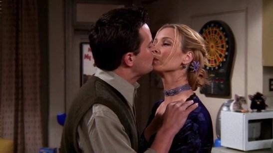 Resultado de imagen de Phoebe seduce a Chandler