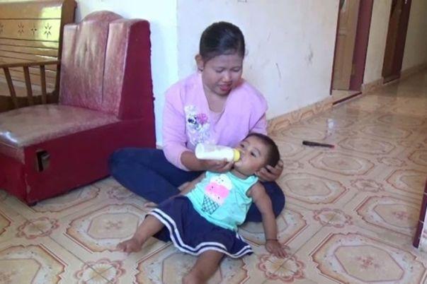 POPULER NUSANTARA] Berhenti Kuliah Jadi Peternak Babi   Bayi 14 ...