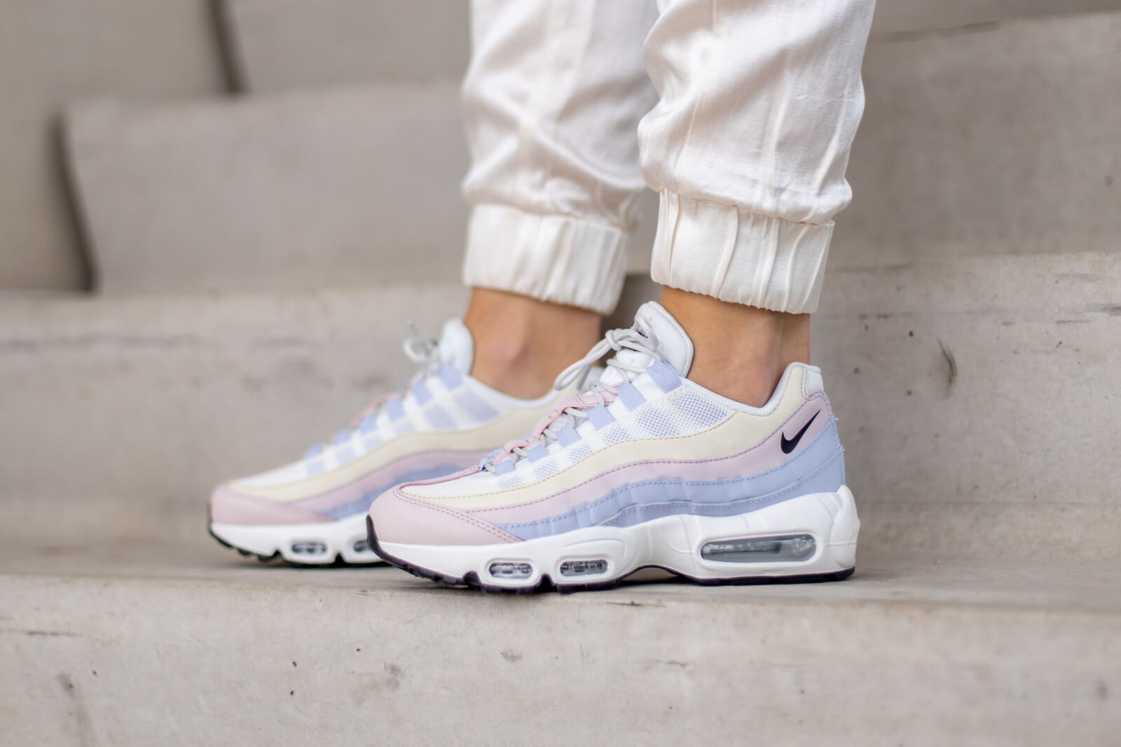 nike women s air max 95 ghost pastel ghost black barely rose