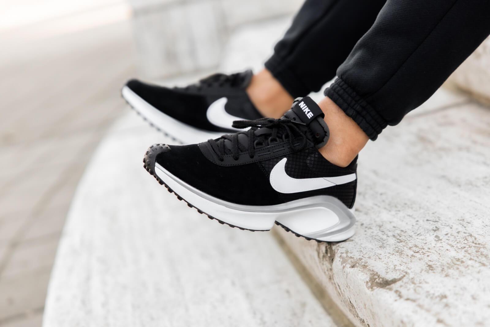 Nike D/MS/X Waffle Black/White-Metallic Silver - CQ0205-001