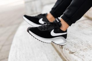 Nike D/MS/X Waffle 'Black / White' .97 Free Shipping