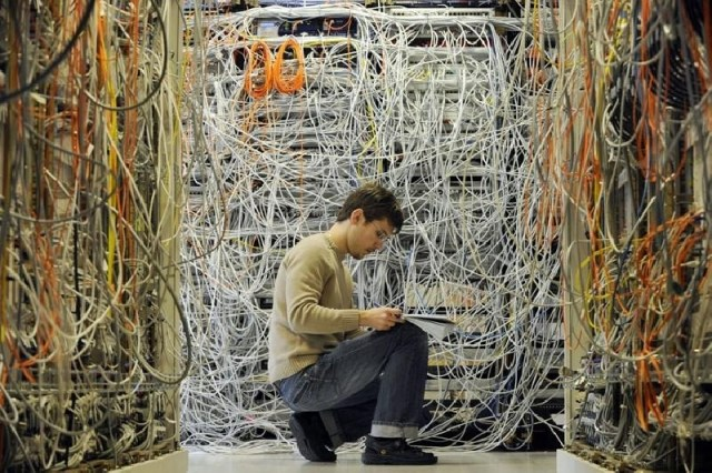 messy computer network