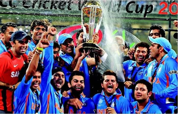 How World Cup 2011 winning team celebrated Virender Sehwag ...