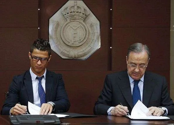 Image result for cristiano ronaldo sign a contract
