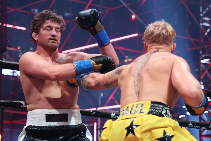 Not many men can say they have knocked out Ben Askren, twilight of his career or not   Paul vs Woodley