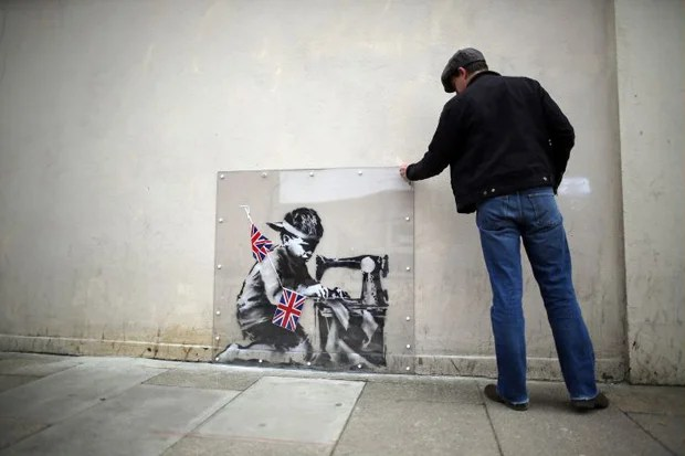 Londons Latest Banksy Graffiti Artists New Work Gets Protection London Evening Standard