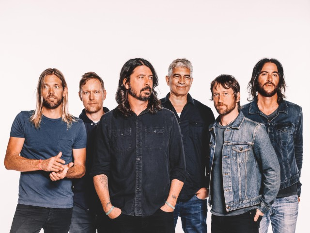 0141.approved.bg 1 1496844028 640x480 - TOP 10 FOO FIGHTERS SONGS