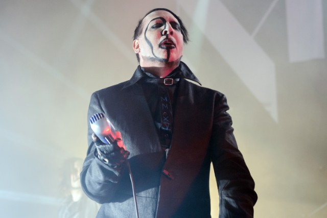 https://i1.wp.com/static.stereogum.com/uploads/2017/11/Marilyn-Manson-1509988878-640x427.jpg?resize=640%2C427&ssl=1