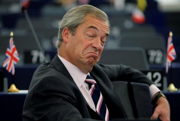 """El líder del Partido de la Independencia de Reino Unido (UKIP), Nigel Farage, ha dicho que la decisión del Tribunal Superior es una """"traición"""" a los que votaron por el Brexit."""