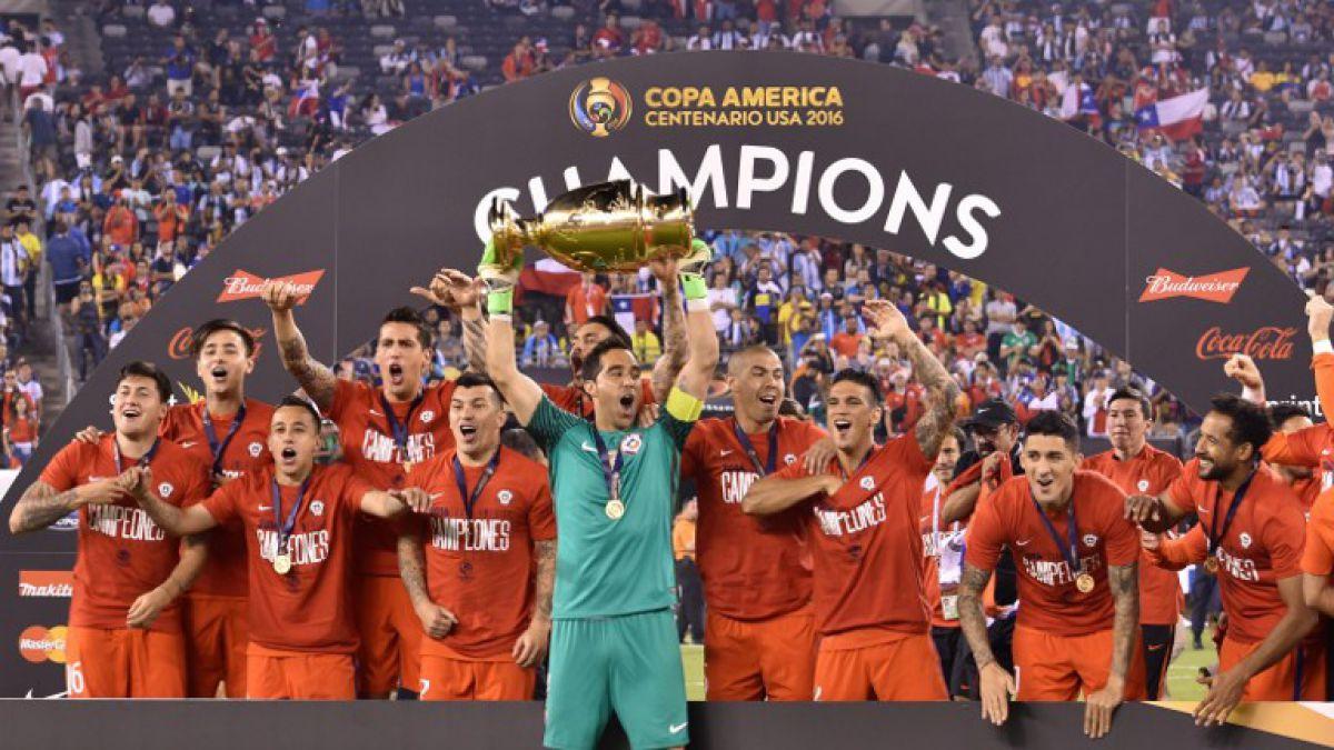 This adidas club universidad de chile home jersey. La Roja vence a Argentina en penales y gana la Copa