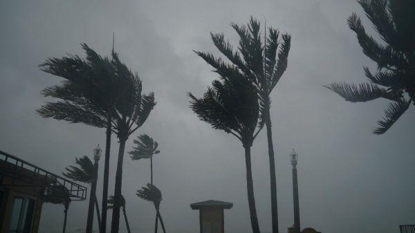 Huracán Irma baja a categoría 1 y se convertirá en tormenta tropical