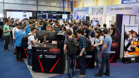 ASUS la East European Comic Con 2016