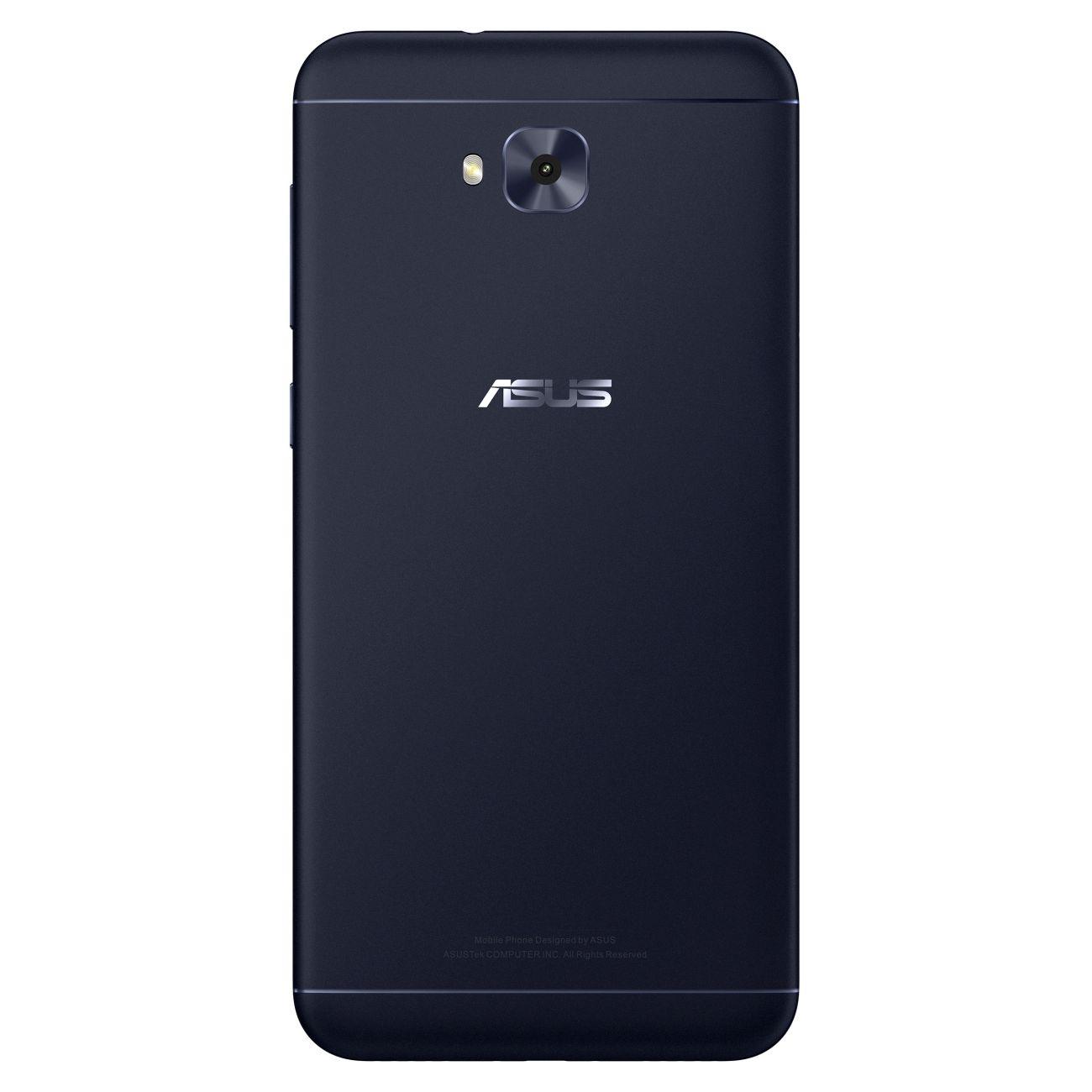 ZF4_selfie_AG02_NB copy
