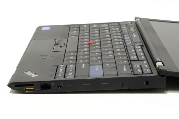 Lenovo ThinkPad X220 Ultraportable Notebook Review Photo ...