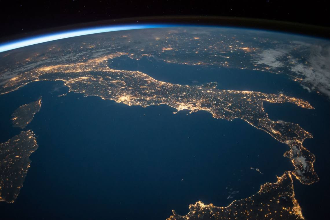 Steve Wozniak's latest startup will monitor and clean up space junk