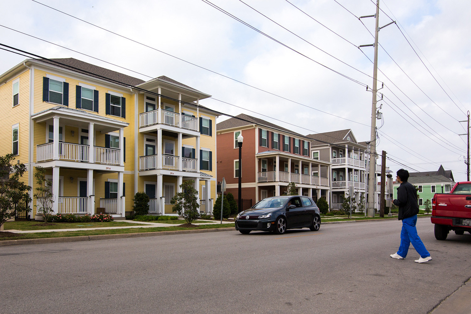 Mixed-income housing developments such as the Cedars at Carver Park won praise from fair housing advocates, but they account for less than one-third of the units that must be rebuilt.